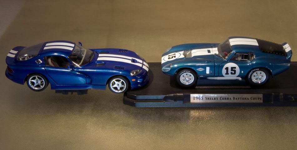 65 Ford Cobra 96 Dodge Viper GTS