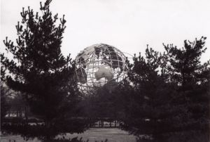 18_64WorldsFairNYUnisphere7_4web.jpg